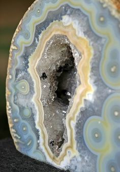 Blue Lace Agate. A nurturing stone of communication, peace of mind and expressing your truth.