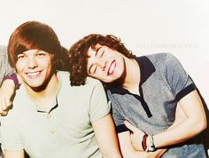 Harry Styles and Louis Tomlinson Larry Stylinson One Direction Larry Stylinson, One Direction Fotos, One Direction Pictures, Fetus One Direction, Eleanor Calder, Louis Tomlinson, Fetus Harry Styles, Harry Styles 2011, X Factor