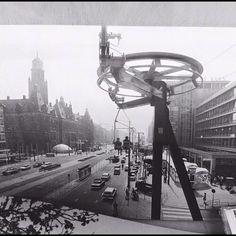 Rotterdam - Coolsingel met kabelbaan. Tijdens Manifestatie C'70, 1970