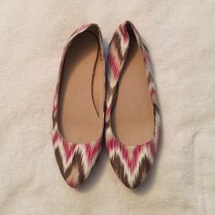 Pink Chevron Ballet flats Pink and brown chevron inspired ballet flats. Pointy toed and rubber soled! Barely worn! Old Navy Shoes Flats & Loafers