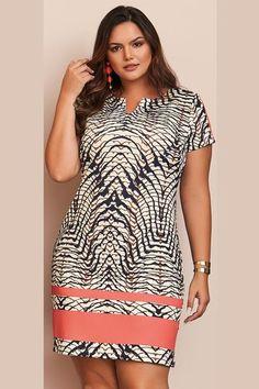 Vestido Plus Size Turmalina - Plus Size Fashion & Dress African Dresses For Kids, Latest African Fashion Dresses, African Dresses For Women, African Print Fashion, African Attire, Ankara Short Gown Styles, Vestidos Plus Size, Classy Dress, Mode Style