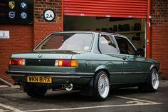 BMW 323i #BMWclassiccars
