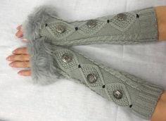 Arm Warmers Armwarmer maglia guanti senza dita con i tasti italiani - womens - Faux Fur polsini bianco nero marrone.