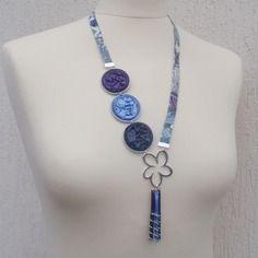 Collier mauvey flower bleu violet liberty et capsules alu recyclées