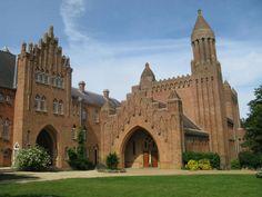 catholic churches in uk | Quarr Abbey ...