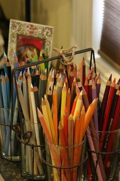 Pencil Art My colored pencil storage. :) - A Scrapbooker's Spot for Daily Thoughts Classroom Organisation, Craft Organization, Craft Storage, Pencil Drawing Tutorials, Pencil Drawings, Drawing Ideas, Smash Book, Colored Pencil Storage, Flowers Illustration