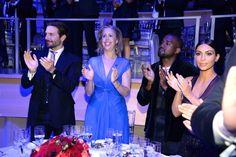 Pin for Later: Selbst Emma Watson ist Bradley Cooper's Charme total verfallen