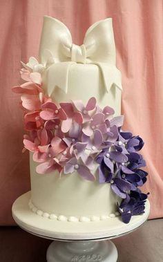 25 Adorable And Elegant Bow Wedding Cakes