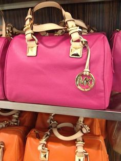 Michael Kors Bags for Cheap Prices. Fashion Designer Handbags.$62.99