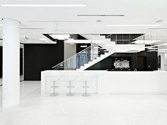 021 Solid bene flagshipstore vienna 03 Elegant Showroom in Vienna Displaying Office Furniture Designs