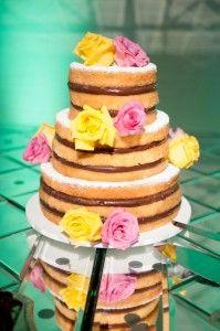 Naked cake por Carolina Sales Pâtisserie de Brigadeiros - Foto Daniele Medeiros