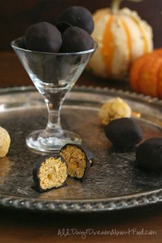 Keto-Pumpkin-Cheesecake-Truffles