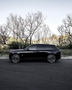 Auto Rolls Royce, Voiture Rolls Royce, Rolls Royce Black, Top Luxury Cars, Luxury Suv, Rolce Royce, Macan S, Rolls Royce Cullinan, Sport Cars