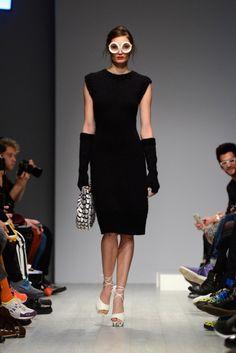 EP_Anoui By Eva Poleschinski Show - Mercedes-Benz Fashion Week Autumn/Winter Black Love, Black Is Beautiful, Mercedes Benz, Stylish, Pretty, Model, Outfits, Shopping, Beauty