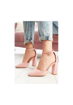 Soft Heels, Fancy Shoes, Cute Heels, Fashion Heels, Heeled Boots, Stiletto Heels, Cool Style, Pumps, Classy