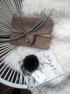 Du liebst Taschen? Das Design gefällt dir auch? Es kann auch gerne preiswert sein? Jetzt auf www.nybb.de!