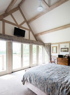 Border Oak vaulted ceiling in master bedroom