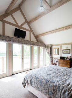 Border oak vaulted ceiling in master bedroom master bedroom layout, oak bed Master Bedroom Layout, Oak Bedroom, Bedroom Layouts, Dream Bedroom, Bedroom Ideas, Bedroom Inspiration, Master Suite, Cottage Plan, Garden Cottage