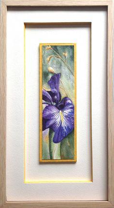 Encadrement aquarelle d'une fleur de Lys violet sur hausse et passe partout blanc avec baguette en chêne brut.