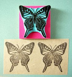 This is a hand carved rubber stamp of a butterfly known as Graphium antiphates. The rubber stamp is hand carved with lino-cut tools. Perfect stamp to decor birthday invitation cards, wedding decor, noteboook covers, fabric, wood and more  ❋ Size of stamp: 2 x 2 approximately  ❋ Care: For frequent use just wipe down with moist baby tissue.  ❋ Made to order  ❋ You can choose to have your stamp unmounted, mounted on wood for easy stamping or mounted plus having a nice cardboard box for…