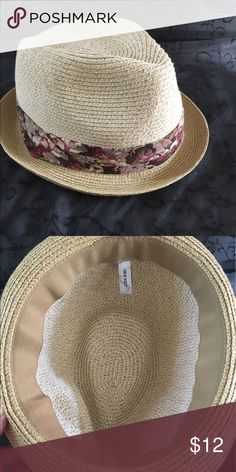 "NWOT. Nine West Fedora NWOT. Very cute with floral band. C=22"". Nine West Accessories Hats"