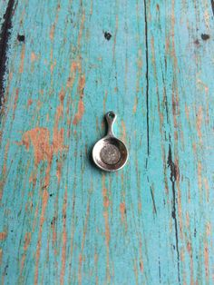 8 Small frying pan charms 3D antique silver by KimsFancyFindings
