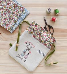 The patterns that my mother loves are crispy 🤗 - Kendin yap - Hand Embroidery Designs, Embroidery Stitches, Embroidery Patterns, Sewing Patterns, Diy Embroidery Bags, Sewing Hacks, Sewing Crafts, Sewing Projects, Fabric Gifts