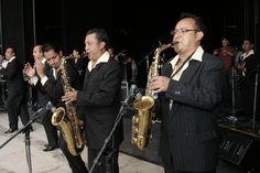 Celebran Sonora Santanera y Campeche Show XIII Aniversario del Faro Oriente. El grupo Campeche Show Foto: Abril Cabrera A.