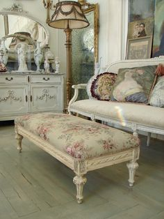 shabby chic   N Love w\ ottoman-table