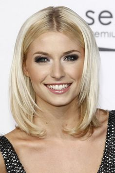 Medium long hairstyle by Lena Gercke – pictures - New Hair Cut Haircuts For Medium Hair, Medium Long Hair, Cool Haircuts, Medium Hair Styles, Cool Hairstyles, Short Hair Styles, Beautiful Hairstyles, Pinterest Hairstyles, Hair Blond
