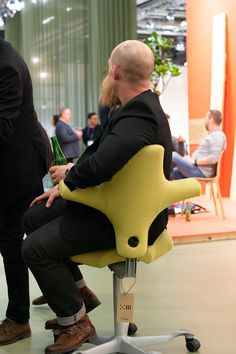 Flokk at Stockholm Furniture Fair Concept DNA - a stand developed in collaboration with Hunting & Narud. Sustainable Furniture, Sustainable Design, Sustainable Supply Chain, Carbon Cycle, T Set, Plastic Waste, Conceptual Design, Greenhouse Gases, Stockholm