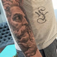 Healed, found this picture that I like better then the ones I posted before. #Neptune #poseidon #poseidontattoo #neptunetattoo #healedtattoo