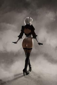 Character: YoRHa No. 2 Model B (aka 2B) / From: Square Enix's 'Nier: Automata' / Cosplayer: Helly von Valentine (aka Disharmonica) / Photo: АKU (aka Akunohako) (Sergey Shetukhin) (2017)