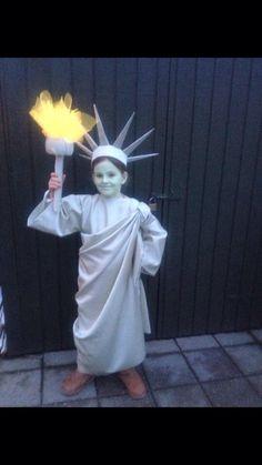 Kostumer og udklædning! Få massere af inspiration til fastelavn, Halloween, teater mm.