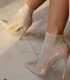 Bottines chaussettes - Ankle sock boots 𝓁𝑜𝓋𝑒 𝓂𝓎 𝓅𝒾𝓃𝓈? f⃣o⃣l⃣l⃣o⃣w⃣❙ @ ♡ 3 3 3 ❙-ᴵᴺᴮᴼˣ ᶠᴼᴿ ᶜᴿᴱᴰᴵᵀ-❙ ♛✘O⃟✘O⃟ # 𝑔𝑜𝓇𝑔𝑒𝑜𝓊𝓈 # 𝒷𝑒𝒶𝓊𝓉𝒾𝒻𝓊𝓁 Fancy Shoes, Cute Shoes, Me Too Shoes, Shoes For Prom, Prom Shoes Silver, Prom Heels, Formal Shoes, Crazy Shoes, Shoe Boots