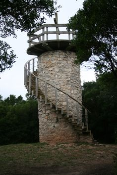 Mirador del Monte Cincho. Isla  #Cantabria #Spain #España #Spagna #Spagne #Spanien Arch, Outdoor Structures, Garden, Elopements, Earth, Islands, Viajes, Pictures, Longbow