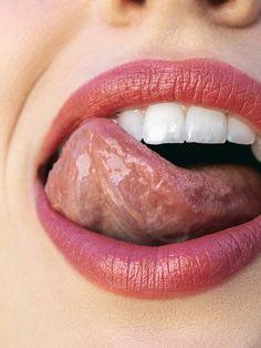 Stardust Lipstick Kosas Weightless Lip Color Kosås Cosmetics - July 07 2019 at Pink Lips Makeup, Lip Makeup, Makeup Art, Dark Lips, Red Lips, Burgundy Lips, Thin Lips, Ombre Lips, Glossy Lips