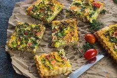 Een quiche is een heerlijke maaltijd om van te genieten. Deze versie met zalm, prei en dille is wellicht wel onze favoriet! Overheerlijke smaken die perfect samen gaan. Dat is …