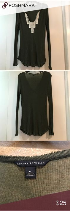 BANANA REPUBLIC LONG SLEEVE TEE Cute and comfy! Excellent pre-owned condition. 100% lyocell. Color: hunter green with a beautiful crochet neckline/ Size: XL/ 017222100 Banana Republic Tops Tees - Long Sleeve