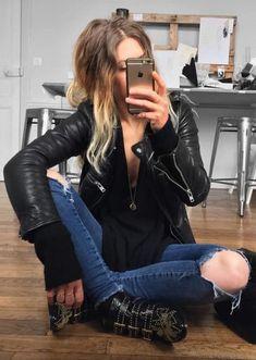 ideas for black motorcycle boots outfit rocks Rocker Style, Rocker Chic, Rock N Roll Costume, Looks Rock, Motorcycle Boots Outfit, Rock And Roll Fashion, Estilo Rock, Vintage Motorcycles, Feminine Style