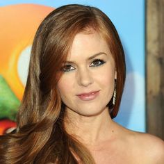 Makeup tips for redheads: Isla Fisher http://beautyeditor.ca/2011/03/28/reader-question-channeling-amy-adams-or-christina-hendricks-makeup-tips-for-natural-and-not-so-natural-redheads/