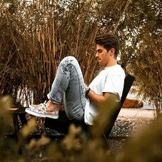 Andrew Taggart, Chainsmokers, Macho Alfa, Boy Photography Poses, Best Dj, Celebs, Celebrities, Handsome Boys, Cute Guys