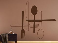 Coole Küchendeko: Das Wandtattoo Besteck zum Aufkleben. Messer, Gabel und Löffel können als einzelne Wandtattoos an der Wand der Küche kombiniert werden. Auch für Restaurants und Cafés geeignet.  #Dekoration #Küche #Wandgestaltung