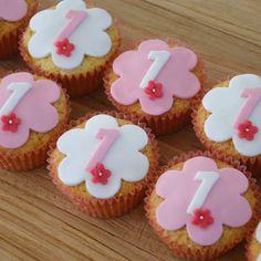 new Ideas cupcakes birthday school Birthday Treats, Birthday Cake Girls, Birthday Cupcakes, Baby Shower Cupcakes, Fun Cupcakes, Wedding Cupcakes, Birthday Desert, Cupcakes Wallpaper, Cupcake Frosting Recipes