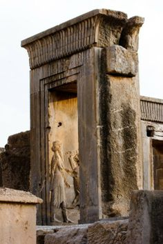Ancient Persian, Ancient Art, Ancient History, Persian Architecture, Art And Architecture, Alexander Of Macedon, Cyrus The Great, Achaemenid, Architectural Sculpture