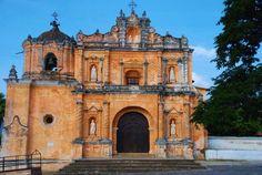 Foto por Davis Gt Rojas – Parroquia de la Aldea San Pedro Las Huertas en Sacatepequez.**San Pedro las Huertas church in Antigua.