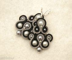 czarno-szare kolczyki sutasz z perełkami. $23 Belly Button Rings, Drop Earrings, Jewelry, Fashion, Moda, Jewlery, Jewerly, Fashion Styles, Schmuck