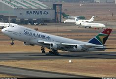 South African Airways Boeing 747-244B Boeing Aircraft, Passenger Aircraft, 747 Jumbo Jet, Johannesburg City, South African Air Force, Air Photo, Commercial Aircraft, Aircraft Pictures, Queen