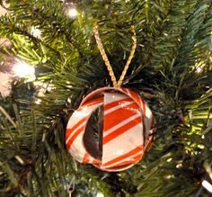 Make it easy crafts: Dimensional duct tape Christmas ball ornament