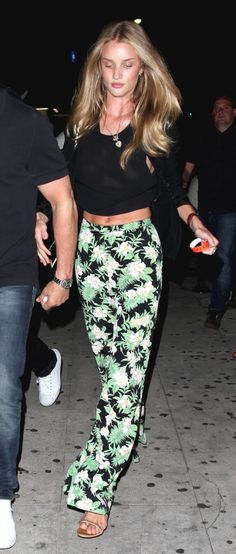 a fresh-faced Rosie Huntington-Whiteley rocks tropical print pants